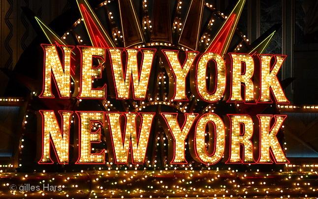 ddeddc1628a L enseigne lumineuse de l hôtel New-York New-York.