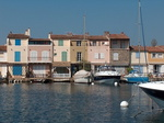 Côté port occidental de Port-Grimaud.