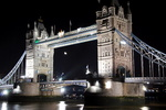 Londres, le Tower Bridge, la nuit.