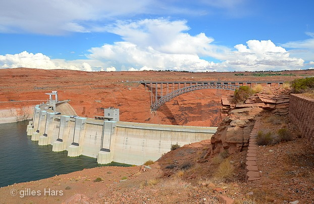Barrage de Glen Canyon, lac Powell.