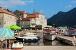 Le port de Perast.